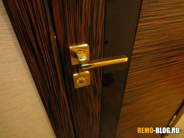 Магнитный замок на межкомнатную дверь