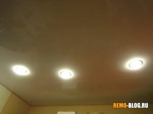 Запах от натяжного потолка, фото 1