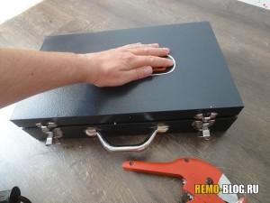 металлический чемодан