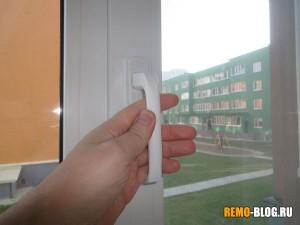 ручки на окнах